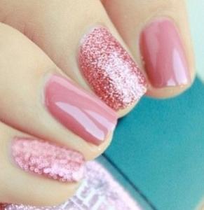 ピンクかわいいネイルアイデア