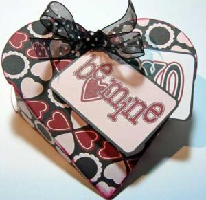 ハートのプレゼント箱テンプレート