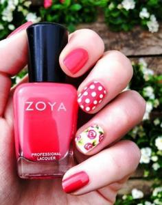 ピンクの花の春ネイル例