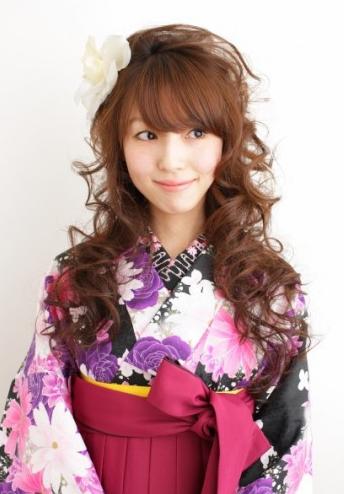 おしゃれハーフアップ袴髪型
