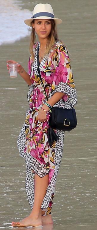 セレブビーチファッション