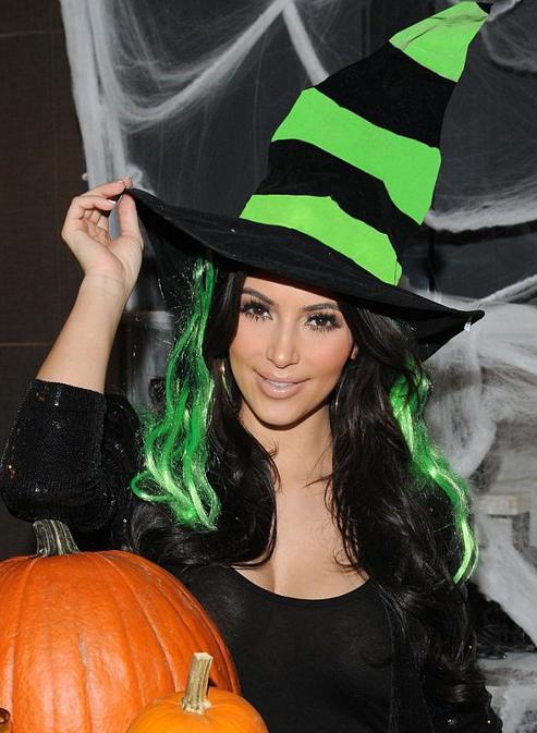 ハロウィン仮装かわいい魔女