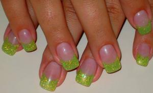 緑フレンチネイル