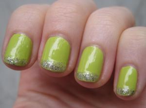 緑のフレンチネイルやり方