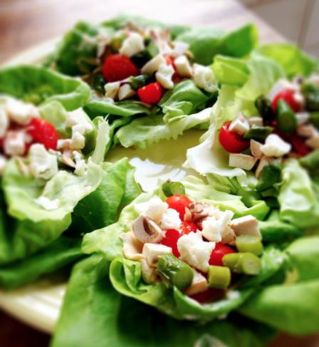 美しいサラダ盛り付け方法